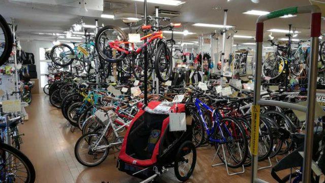 秀岳荘地下1階自転車売り場
