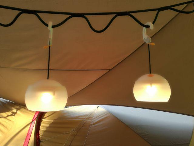テント内の照明